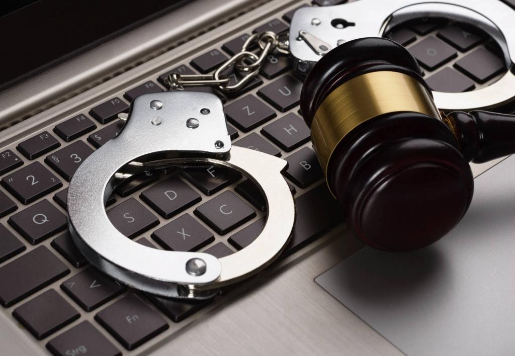 Delitos Informáticos y Legislación Informática